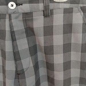 Men's Travis Mathew Golf Shorts Sz 36